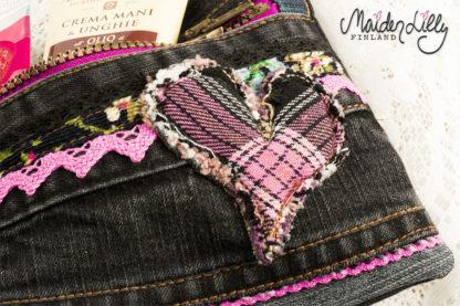 Lilly's Clutch Zipper Pouch